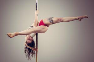 Découvrez les cours de pole dance de Madame Polette